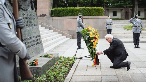 Steinmeier gedenkt der Opfer