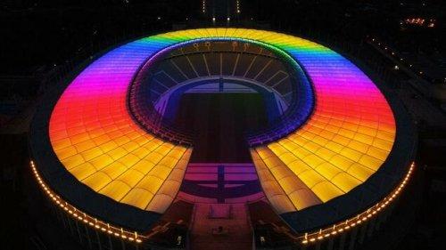 Diese Stadien und Wahrzeichen leuchten zum EM-Spiel in Regenbogenfarben