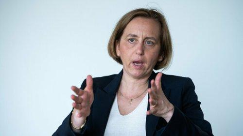 Beatrix von Storch mit knapper Mehrheit zur Spitzenkandidatin gewählt