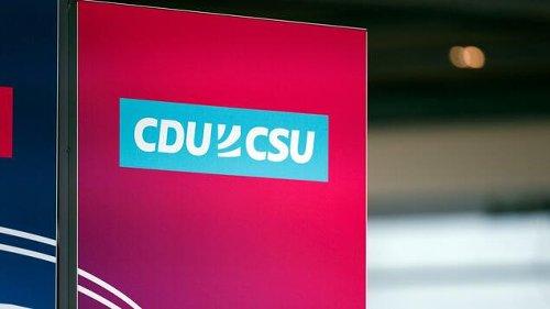 Union stürzt in Umfrage ab – Grüne jetzt sieben Prozentpunkte vorn