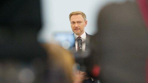 FDP stimmt für Koalitionsgespräche mit SPD und Grünen