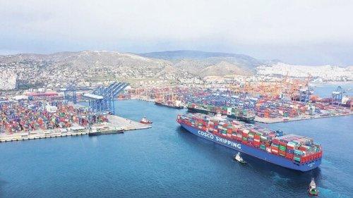 China kauft sich im Hamburger Hafen ein