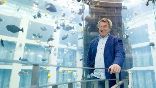 Der Chef des Berliner Aquadoms hat auch ein Herz für Tauben