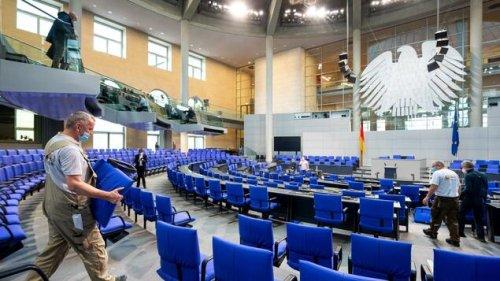 Wo sitzt jetzt Merkel – und warum tragen plötzlich alle Armbänder?