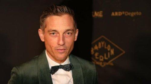 Schauspieler Volker Bruch rechtfertigt sich für #allesdichtmachen
