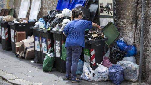 Warum sich in Italiens Hauptstadt die Abfallberge türmen