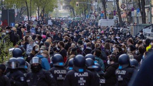 """Linksradikale Gruppen wollen in Berlin gegen """"Polizeigewalt"""" demonstrieren"""