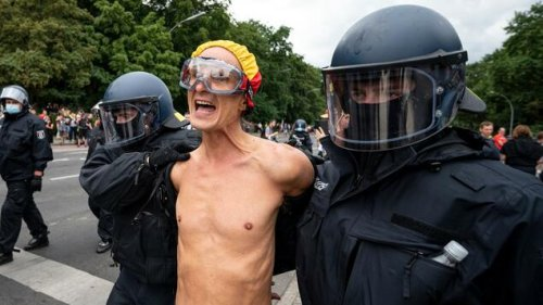 Tausende Querdenker irren durch Berlin – 500 Festnahmen, Gewerkschafter attackiert