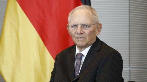 Schäuble – Merkel ist für Laschet-Misere mitverantwortlich