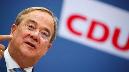Union legt minimal zu, SPD weiter deutlich vorn