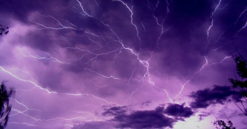 Lightning blasts on clay-rich soils support a dramatic theory of how life began on Earth