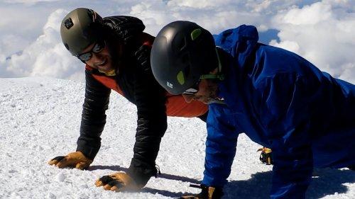 Watch this Air Force team do push-ups at 20,000 feet