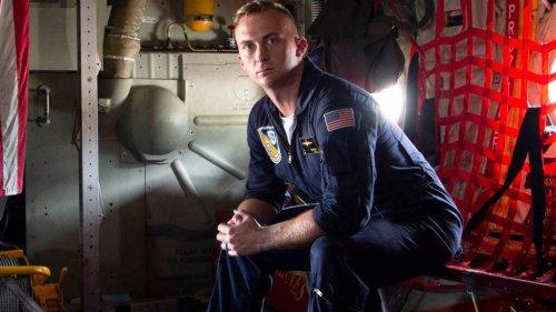 'Blue Angels' Marine awarded highest non-combat heroism medal after saving 3 kids