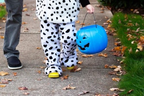 If You See a Blue Halloween Bucket During Trick-or-Treat, This Is What It Means