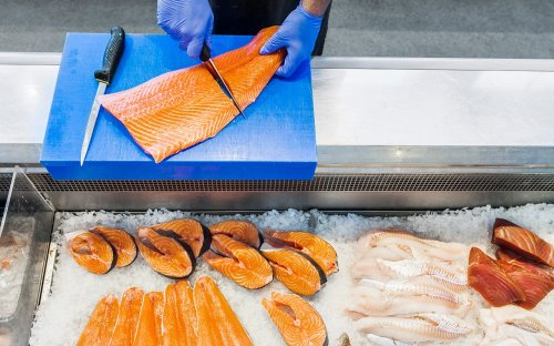This Simple Guide Explains How to Buy Salmon at the Store
