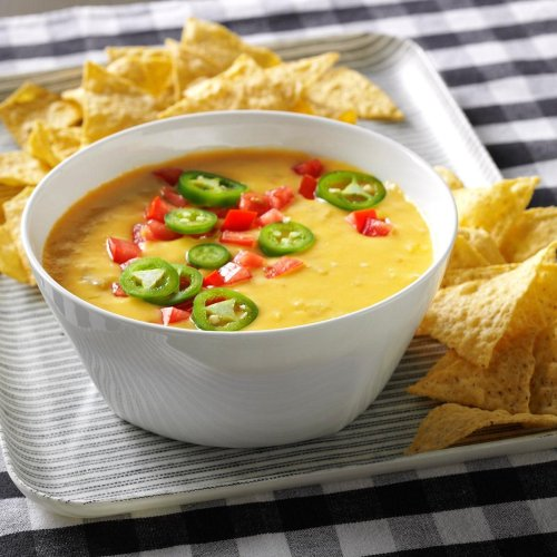 This Easy Queso Recipe Comes Together in Just 30 Minutes
