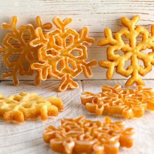 40 Christmas Cookies from Around the World