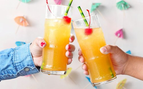 Craving Tropical Vibes? Learn How to Throw a Tropical Tiki Party