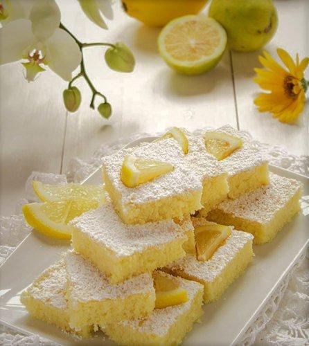 Creamy White Chocolate and Lemon Bars Recipe