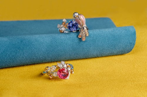 This is How Local Jeweller Madly Acquires Some of the Best Gemstones Available