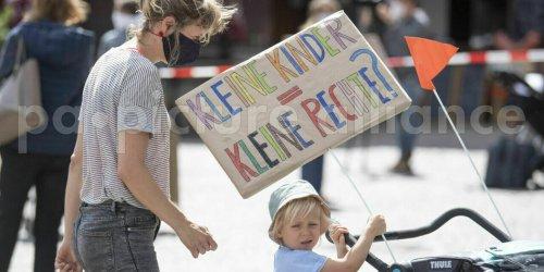"""""""Kinder brauchen besondere Rechte"""""""