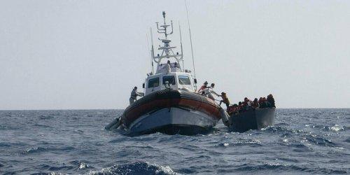 122 Menschen an Land gebracht