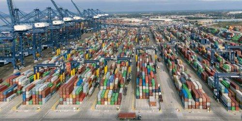 Viele Schiffe, wenige Container
