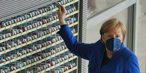 Scharfe Kritik an Merkel