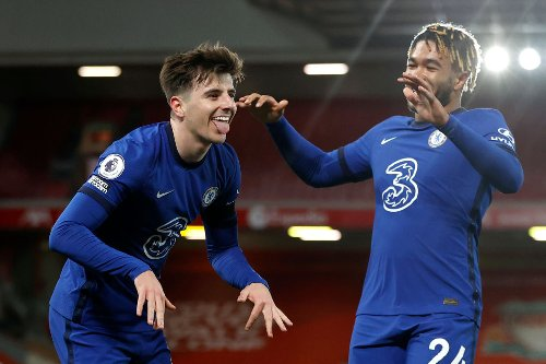 Chelsea star gets Instagram praise from Lingard and £100m-rated star linked with Stamford Bridge move