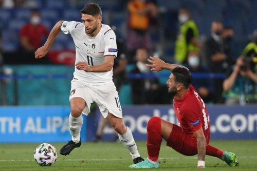 'Hope Jurgen & Edwards are watching': Some LFC fans hail Euro 2020 forward's display, once said he'd 'choose' Anfield