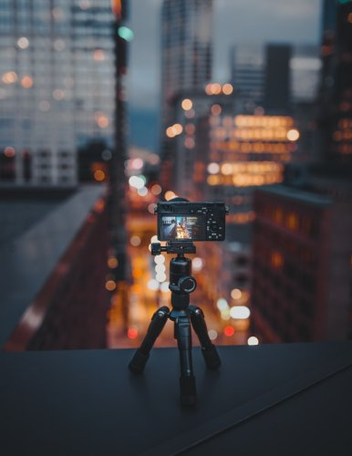 What is a tripod and how to choose? important for both amateur and professional users
