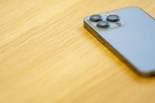 Was passiert, wenn man ein iPhone 13 auf den Boden fallen lässt?