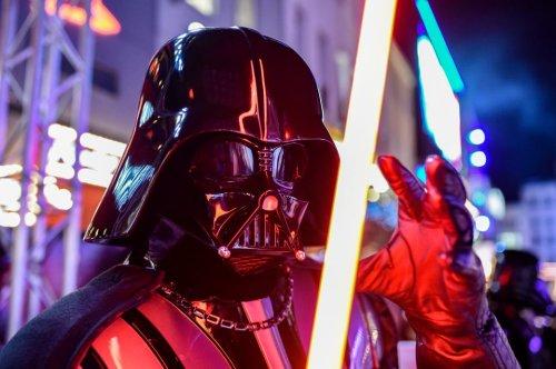 Lichtschwert aus Star Wars gibt es wirklich und es schneidet Stahl!