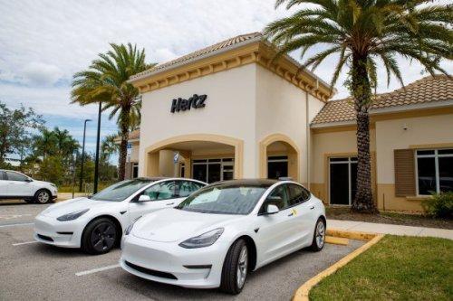 Tesla, Hertz shares rise following order for 100,000 EVs