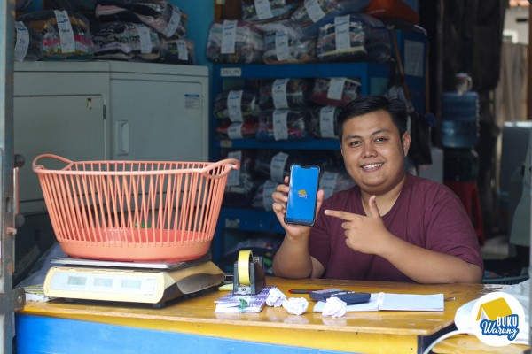 Indonesian fintech startup BukuWarung gets new funding to add financial services for small merchants