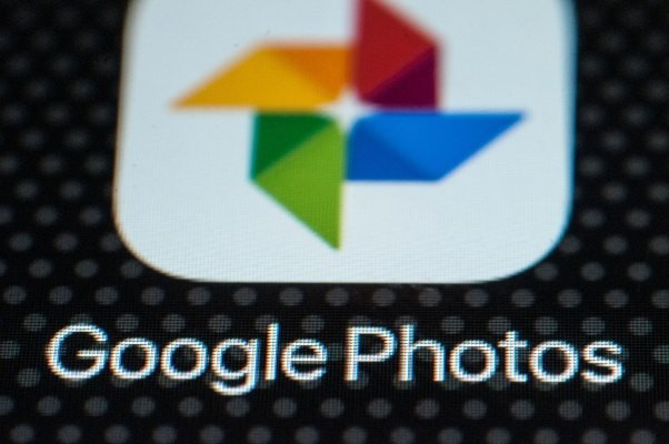 Google Photos adds 3D 'Cinematic' photos, plus new Memories and collages