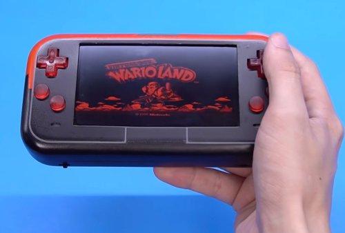 Modder Turned Nintendo's Virtual Boy into a Handheld