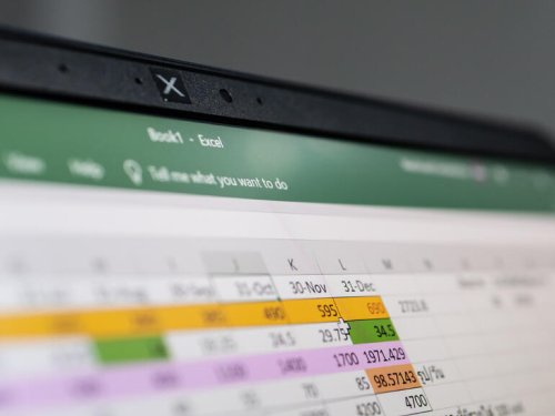 How to use XLOOKUP() to find commission benchmarks in Excel