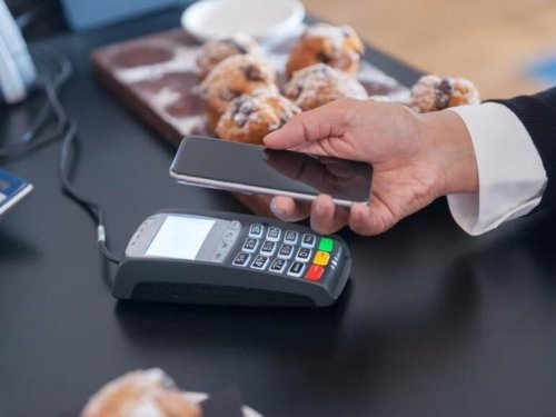 Visa: Contactless payment and online stores key to small business survival
