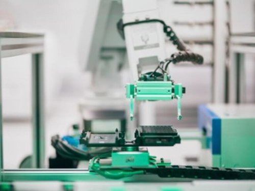 Robots and machine learning researchers combine forces to speed up the drug development process