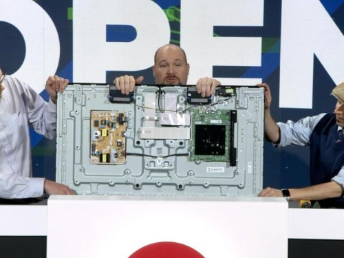 TV teardown: Cracking open a Samsung Q60 QLED TV and Rizmo robotic toy