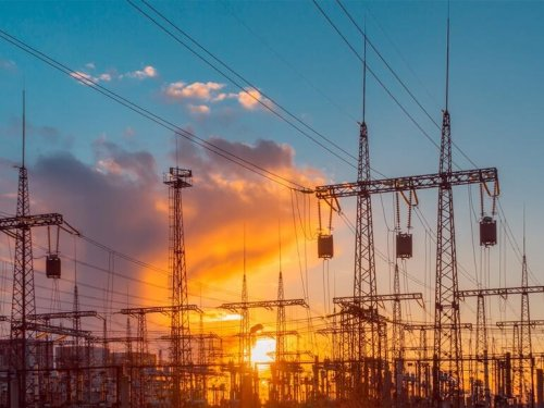 How lessons from a microgrid project can lead the way to decarbonizing the electric grid