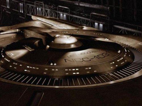10 Twitter accounts every Star Trek fan should follow