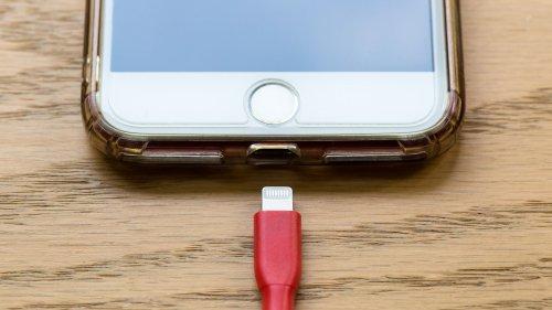 Como carregar o celular corretamente [e mais rápido]