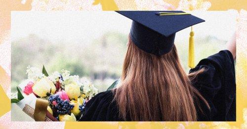 12 Best Flower Deliver Services for 2021 Graduates