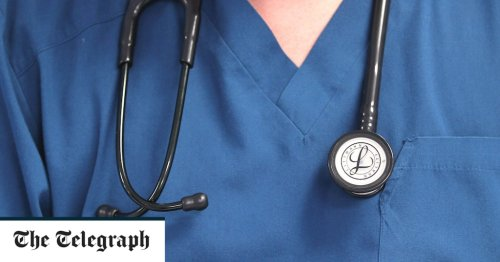 Medical students offered £10,000 to defer degrees after applicant numbers soar