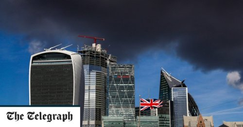 FTSE falls 2.5pc as sell-off accelerates