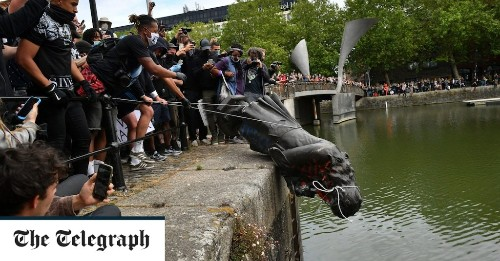 Statues and monuments given safeguard from 'baying mobs'