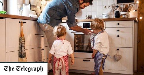 UK paternity leave least generous in Europe, finds international study