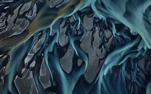 Edward Burtynsky's toxic beauty